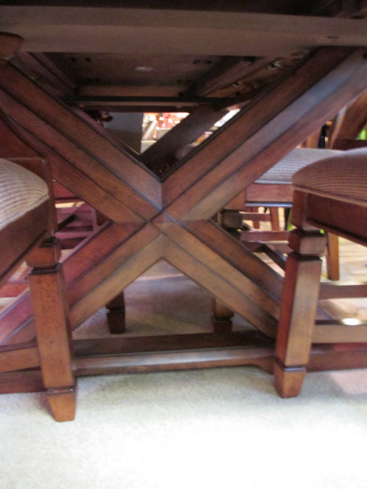 Dining Set w 8 Chairs and 2 Leaves – SOLD – Ballard