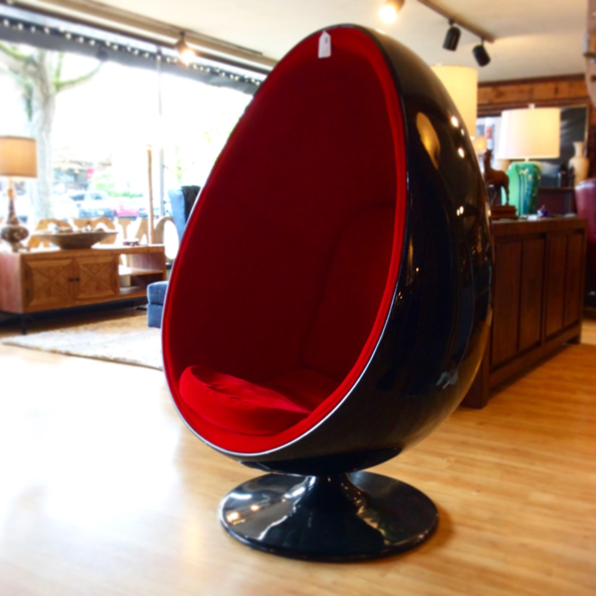 Glossy Black Retro Vintage Inspired Egg Chair With Red Velvet Upholstery  (item#94445)